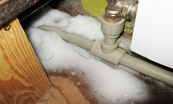 Как отключить водоснабжение вашего дома и слить воду из труб, чтобы предотвратить замерзание