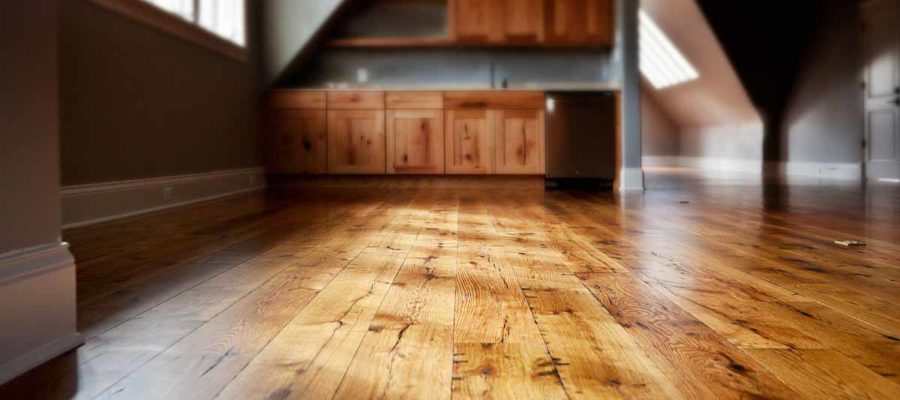 Деревянные полы: преимущества и особенности ремонта