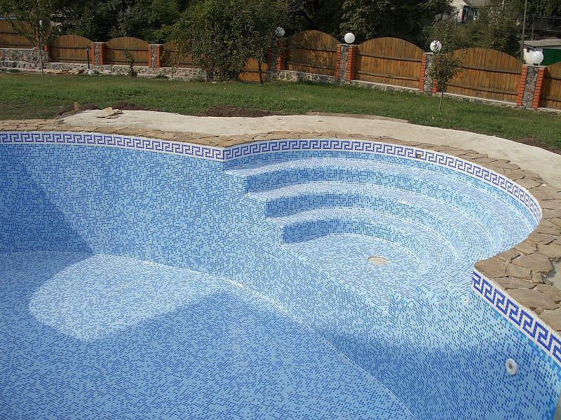 бассейн из плитки
